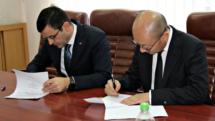 Economy Minister signed Memorandum of Understanding on road modernization