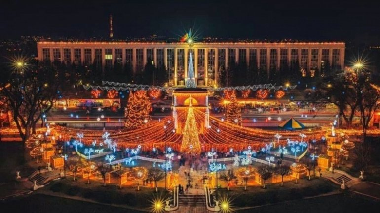 New Year's Eve concert heartened Moldovans on Great National Assembly Square