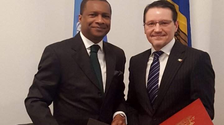 Republic of Moldova established diplomatic relations with Republic of Benin