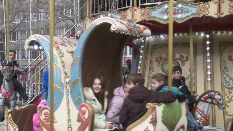 40 children from deprived families in Chisinau received Santa Claus's gifts at Christmas Fair