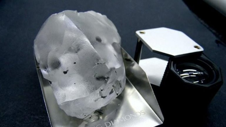 910 carat diamond discovered in a mine from Lesotho