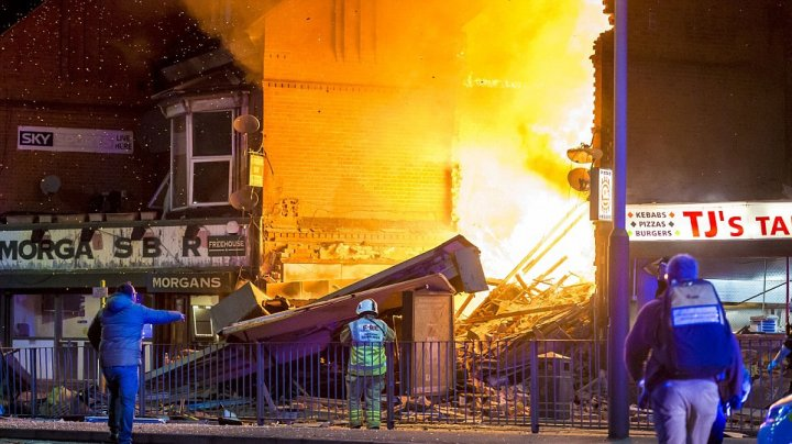 Explosion in Leicester. Four confirmed fatalities, rescuers continue to search for survivors