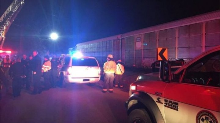 At least 2 dead and 70 injured after two trains collided in South Carolina