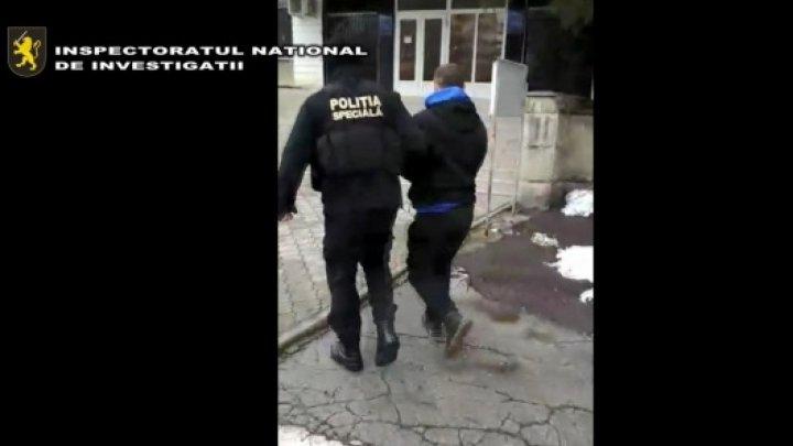 Seven people investigated for blackmailing a prisoner