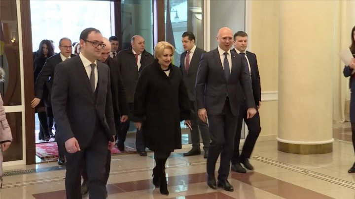 Prime Minister of Romania, Viorica Dăncilă arrived in Chisinau. Official was met by Prime Minister Pavel Filip