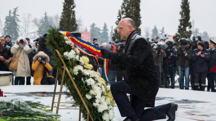 Pavel Filip participated today at rally organized to commemorate war heroes from the Transnistria War