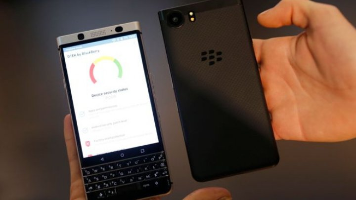 Blackberry has filed a lawsuit in the US accusing Facebook of copying features from Blackberry Messenger