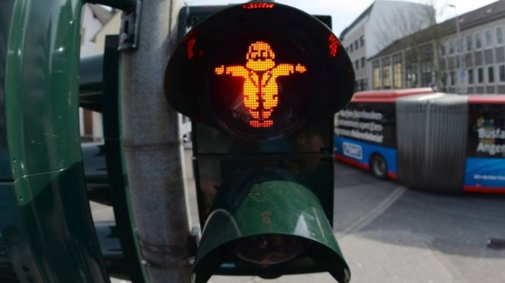 Karl Marx traffic light installed in Germany to celebrate 200th anniversary of his birth
