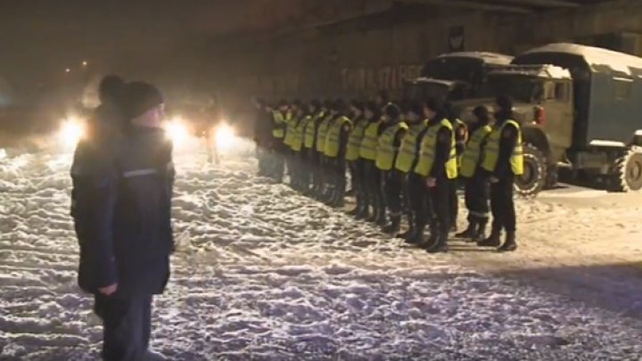 Forces on snow removal. More than 80 soldiers help blocked drivers