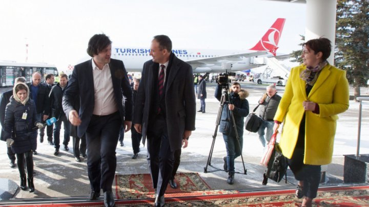 Chairperson of the Parliament of Georgia, Irakli Kobakhidze arrived in Chisinau. Official was met at the airport by Andrian Candu