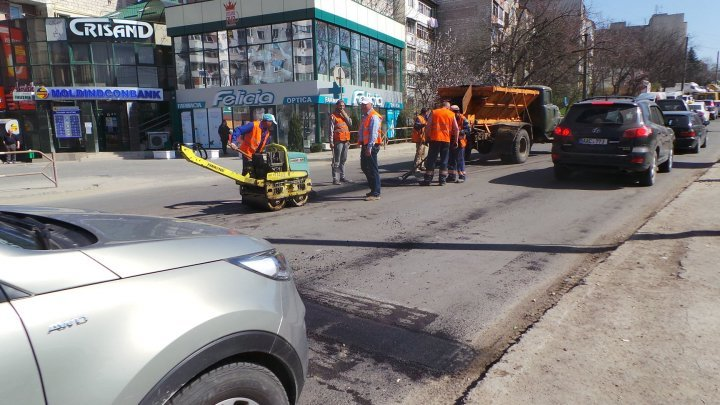 Road repair works organized on eight streets in Capital