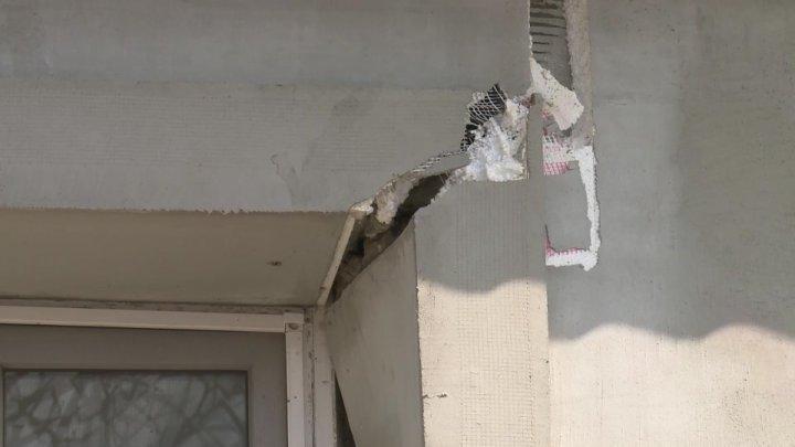 Cracks on house next to Nistru river. Citizens evacuated urgently