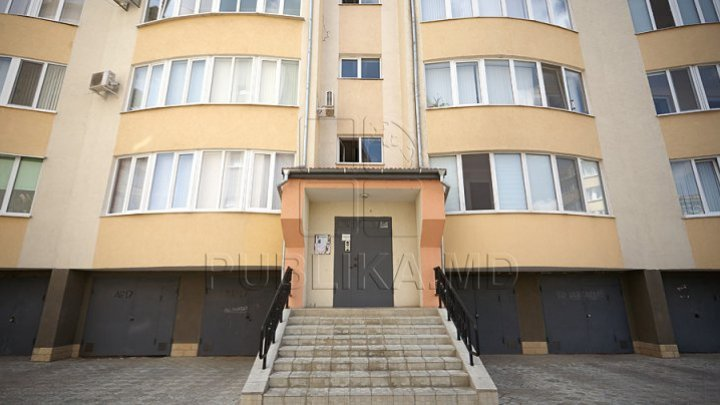 First House reaches Bălţi. Young man signed contract and enjoyed new apartment: I'm so happy to apply this program
