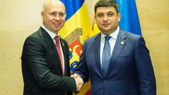 Moldova, Ukraine sign agreements to simplify freight transport