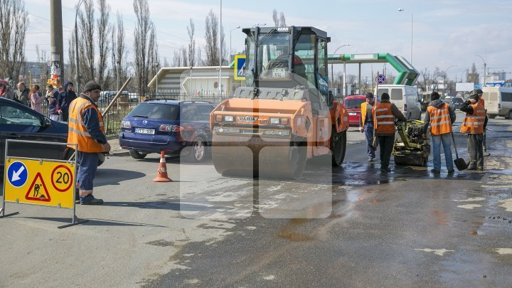 Without pits on streets. Roads repaired in Buiucani, Ciocana