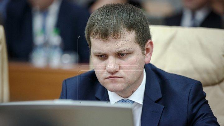 Liberal candidate Valeriu Munteanu wants to control Chisinau Airport