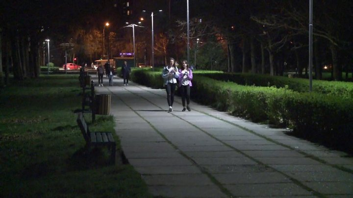 La Izvor park brightens after 25 years in darkness (Photos)