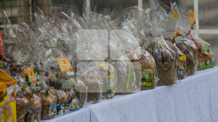 Record Easter sales at biggest bakery factory: 100 tonnes of cozonac and 11 tonnes of Matzo