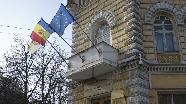Who are first four candidates to run for Mayor of Chisinau