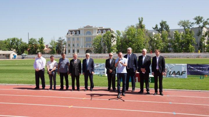 Andrian Candu at new athletics track inauguration on Dinamo Stadium