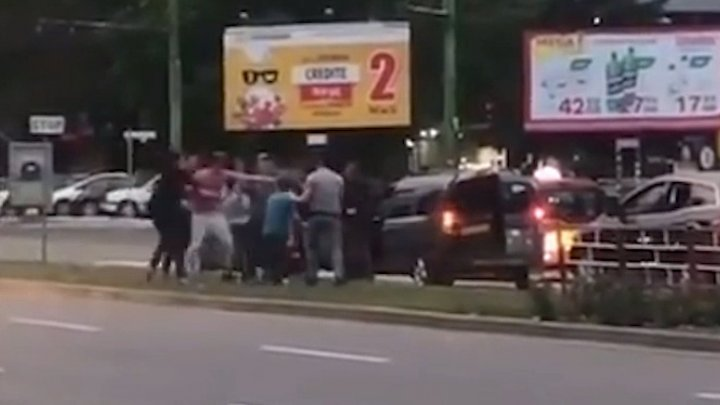 Crash and fight amid traffic in Botanica of Capital