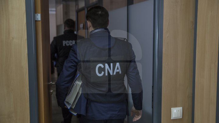 Director of Uniunii office from Comrat detained by NAC officer. He is suspected of influence peddling