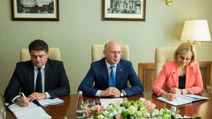 Roaming charges eliminated between Romania - Moldova, topic tabled by Premier Pavel Filip and Economy Minister Dănuț Andrușca