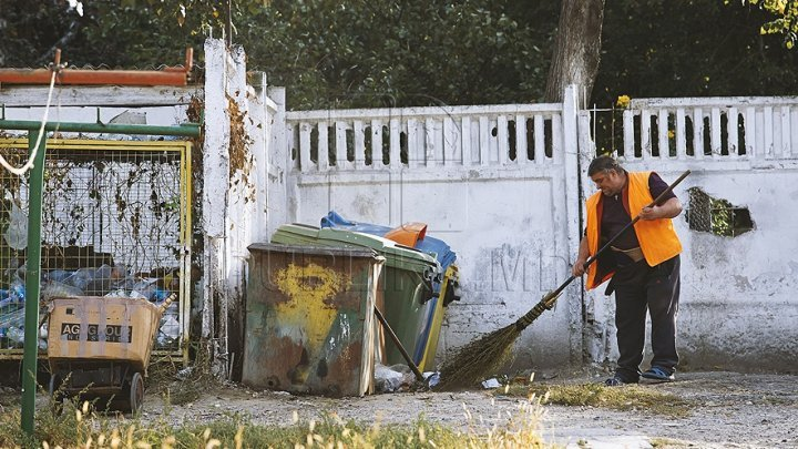 Balti Mayor asks for PM Pavel Filip's help to overcome garbage crisis