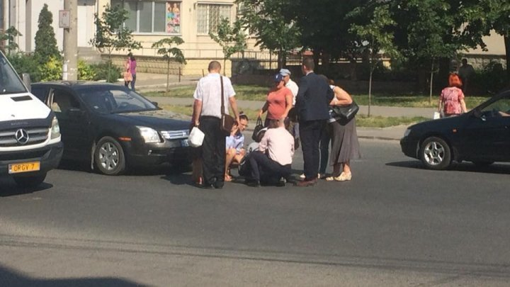 Woman hit as walking crosswalk in Chisinau (photo)