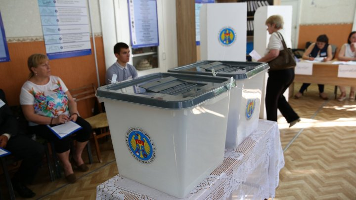 2018 Election: Residents in Chisinau, Balti and five villages cast votes for Mayors (live update)