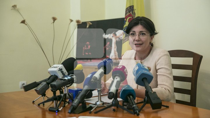 Silvia Radu about Andrei Năstase's journalists illegally parking in front of her house: He think he harasses me, but I think..