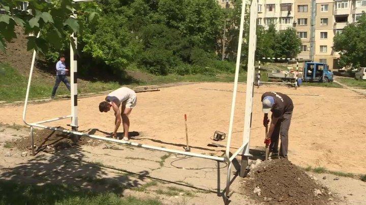 Silvia Radu's Do something good for Chisinau campaign: Sports playground installed in Ciocana