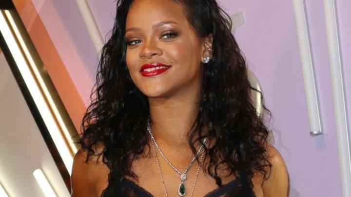 Man charged with stalking Rihanna, burglarizing her home