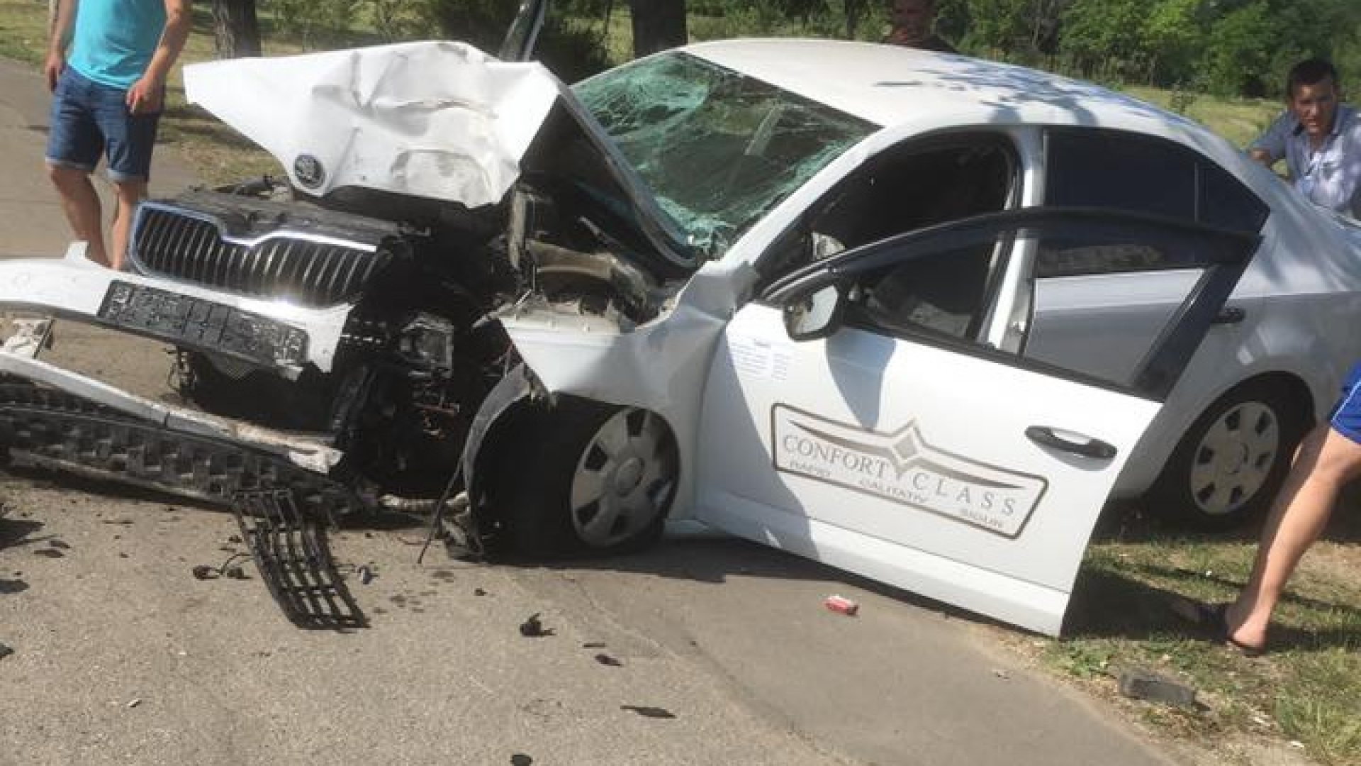 Grave accident in Ciocana of Chisinau  Taxi driver hit violently