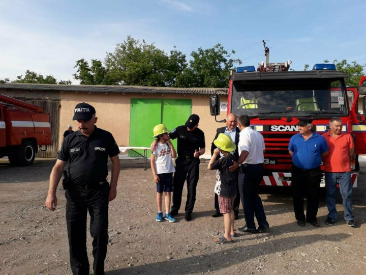 Fire station equipped with liquidation vehicle in Gura Galbenei