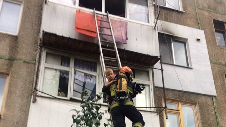 Child left home alone, rescued by firefighters after his flat set on fire