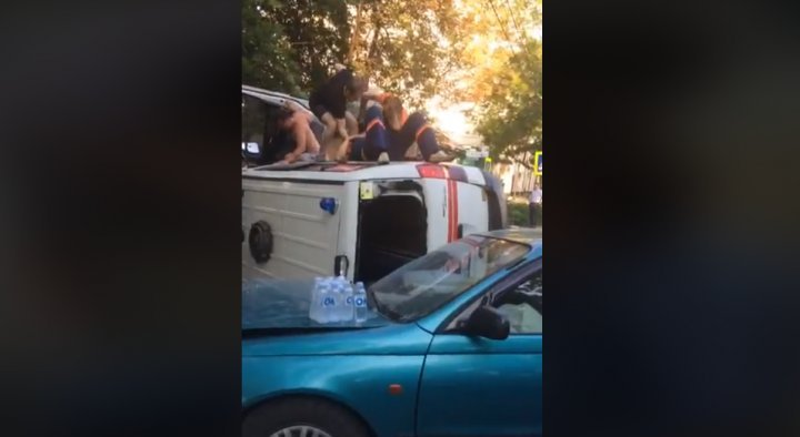 Horror accident in Capital: Ambulance carrying patient violently hit by car and overturned