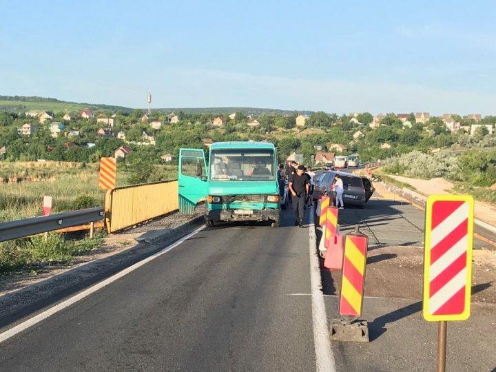 Car crash near Suruceni settlement. Traffic blocked in the region (Photo)