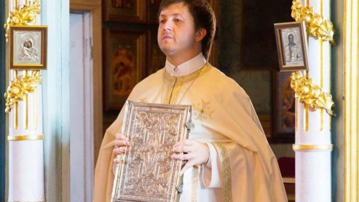 Father Maxim Melinti publicly apologized within a press conference, as requested by the Metropolis