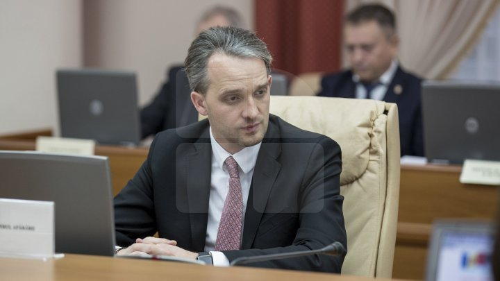 Eugen Sturza: Dodon plays behind their back while puts Chisinau under Russia's heels
