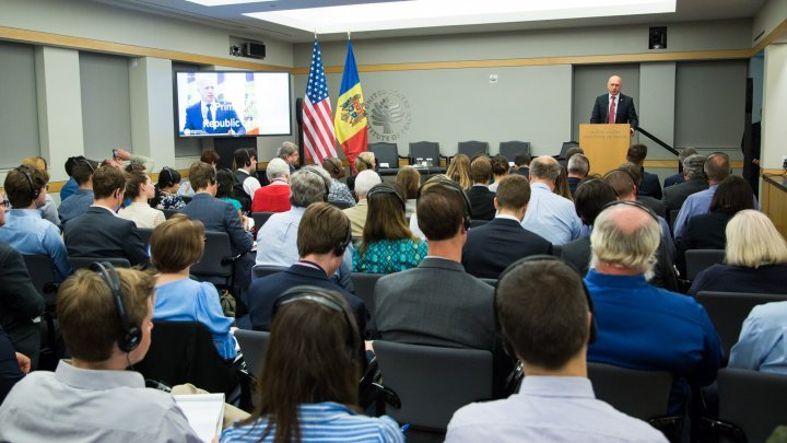 Pavel Filip participated at public discussion regarding cooperation between Moldova and the US