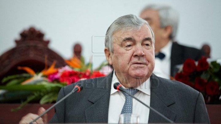 Moldovan President Mircea Snegur honored Doctor Honoris Causa