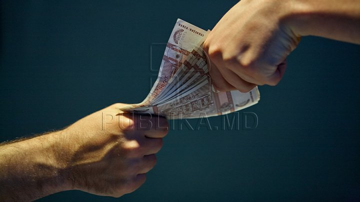 Professor from Hîncești College accused of claiming bribe