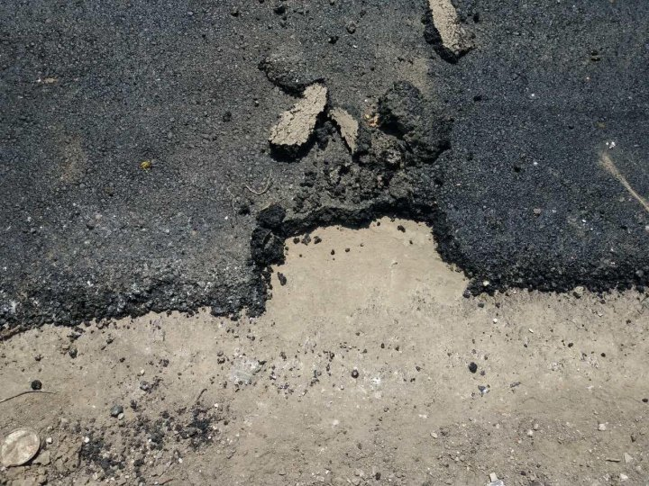 Unannounced controls to construction sites of road repairs identified irregularities