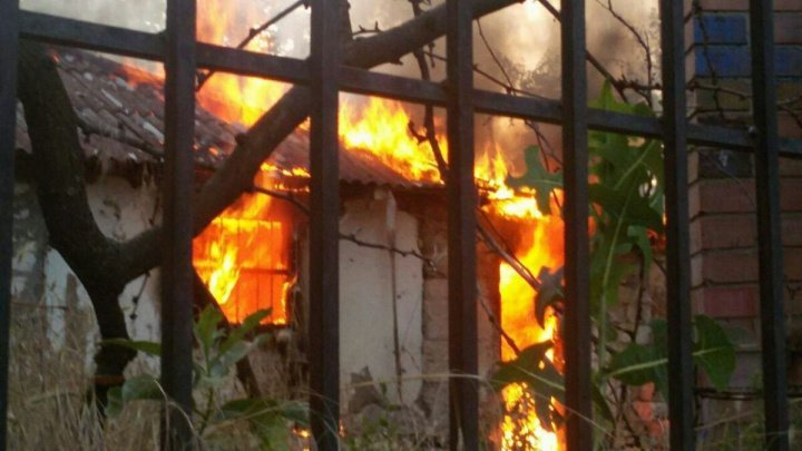 Man set on fire house where his wife and children were living