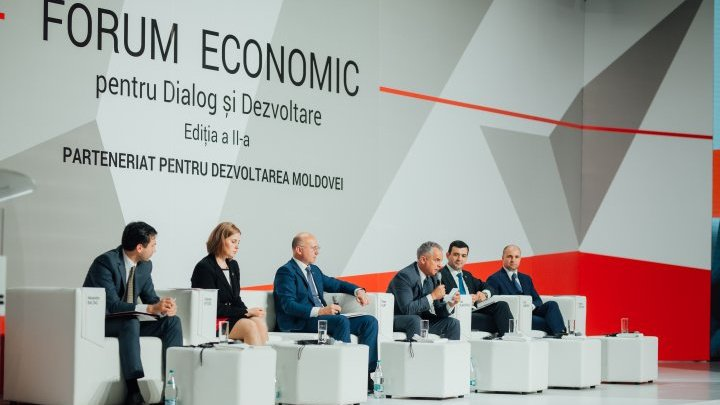 Over 800 businessmen attended Economic Forum for Dialogue and Development hosted by AOAM