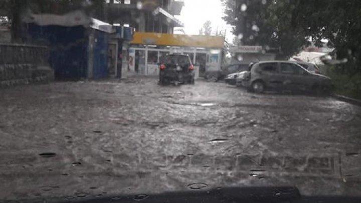 Heavy rain flooded Chisinau streets (video/photo)