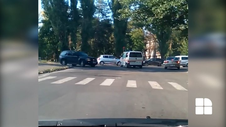 REVOLTING: Drivers forgot to give priority to ambulance in traffic (VIDEO)