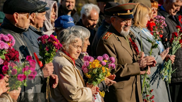 101 years have passed since October revolution. An event was organized in Chisinau (PHOTO REPORT)