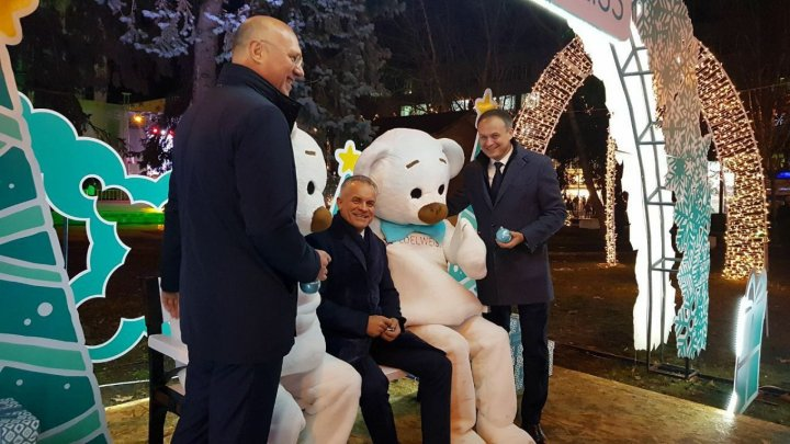 Vlad Plahotniuc, Andrian Candu and Pavel Filip visited Christmas fair last evening